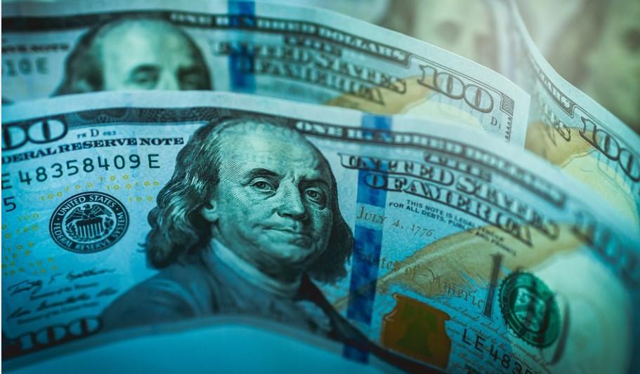 «Слабый» рубль поднимет цены на жильё в Петербурге