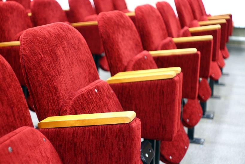 Петербургским кинотеатрам стало сложнее привлекать зрителей