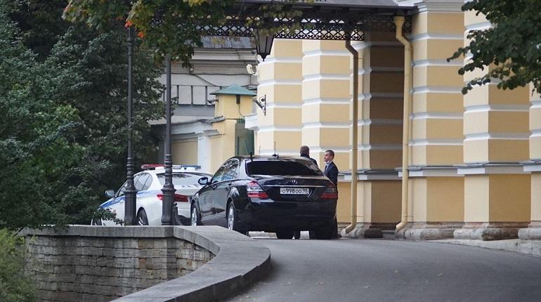 Петербургские чиновники расселись по машинам в день отказа от автомобилей