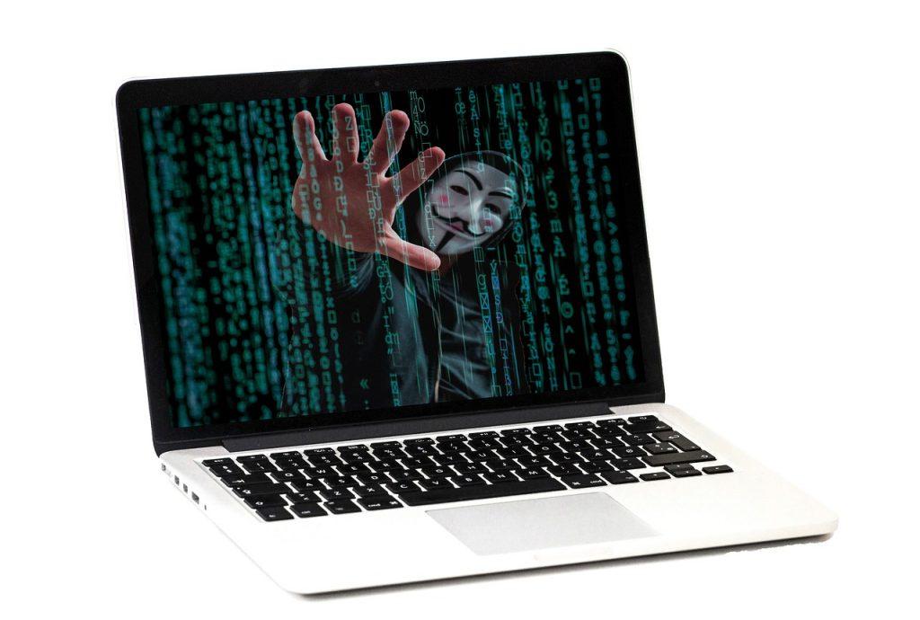 Хакеры атакуют: пять советов как не стать их жертвой