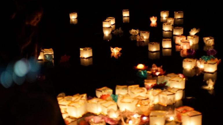 В Юсуповском саду открылся фестиваль водных фонариков: фоторпортаж «Мойки78»