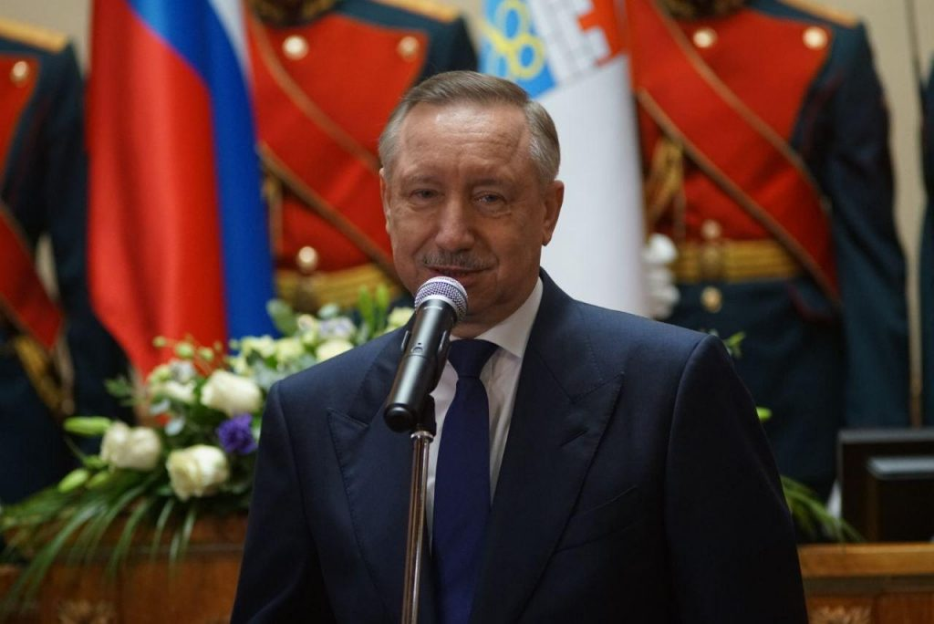 Глава Петербурга поздравил жительниц города с Международным женским днем
