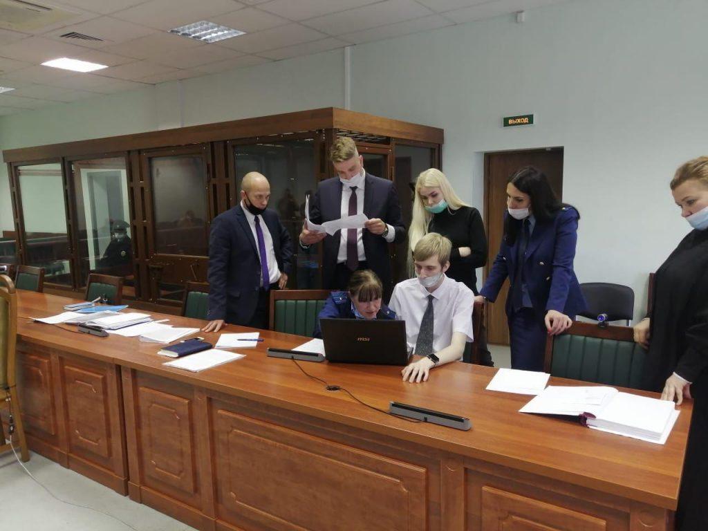 «Хотели познакомиться с Соколовым»: в суде зачитали показания родителей Анастасии Ещенко