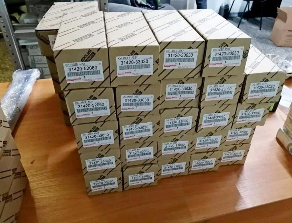 В Петербурге таможенники изъяли более 11 тысяч контрафактных автозапчастей