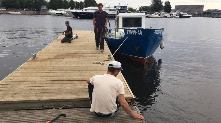 Превращение в столицу яхтенного туризма Петербург начал с уничтожения яхт-клуба