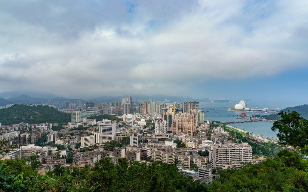 У отеля в китайском Чжухай взорвался газ, многие пострадали