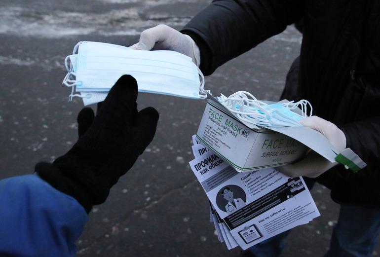 С 26 октября петербуржцев могут не пустить в транспорт без маски