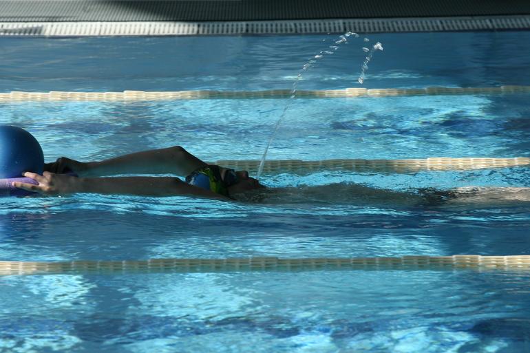 Хлорка в бассейне может убить COVID-19 за 30 секунд