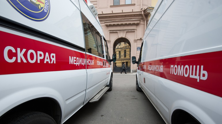 Два брата пострадали в массовой драке на Комиссара Смирнова