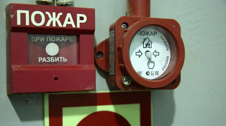 В Петербурге на ЛЭМЗ случился пожар