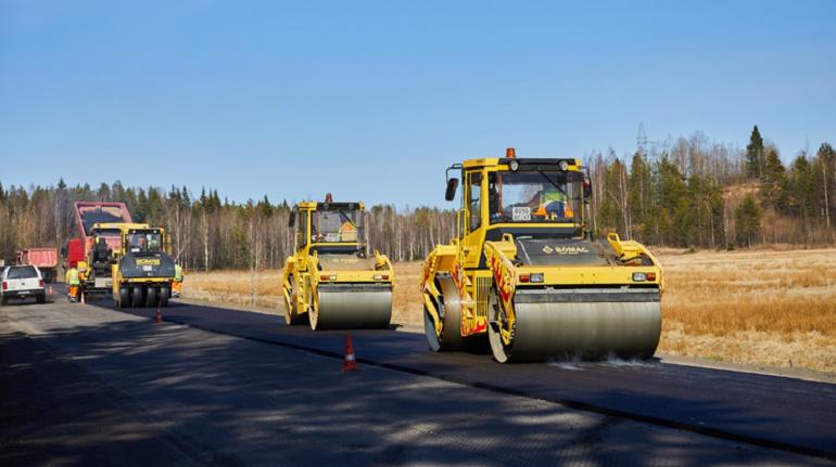 Смольный выбрал подрядчика для ремонта дорог на юге Петербурга