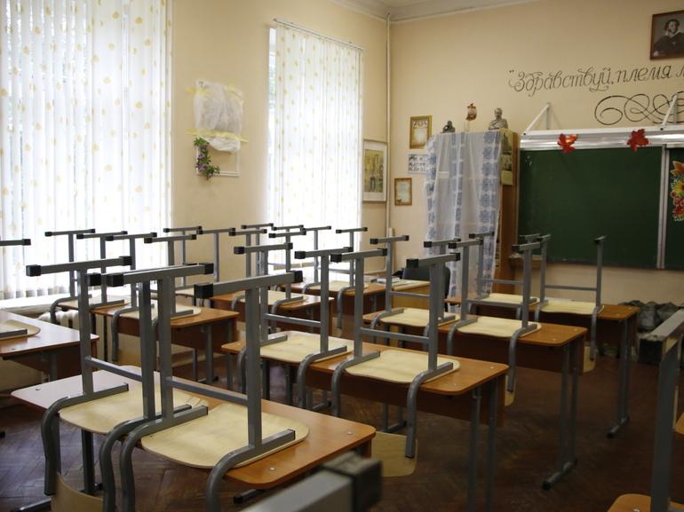 В Петербурге школьный класс и группа детского сада ушли на карантин из-за Covid-19