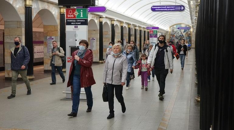Петербург и Москва обновили антирекорды по заболевшим коронавирусом