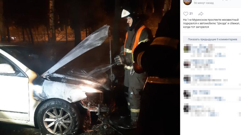На 1-м Муринском сгорел Chevrolet, скорее всего — с посторонней помощью