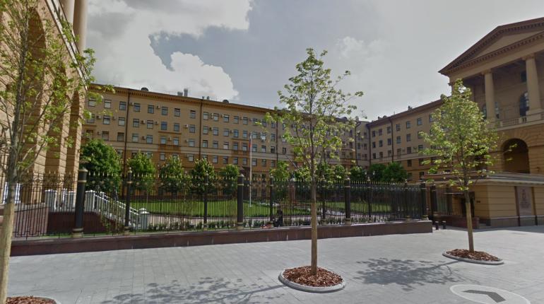 В Москве напали на двух полицейских у ГУ МВД