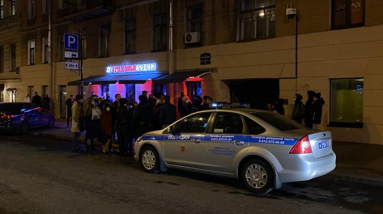 О запретах не слышали: петербургские бары запустили продажу билетов на первую ночь 2021 года