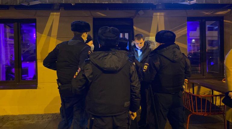 Не все бары на Рубинштейна добровольно закрылись в 23:00