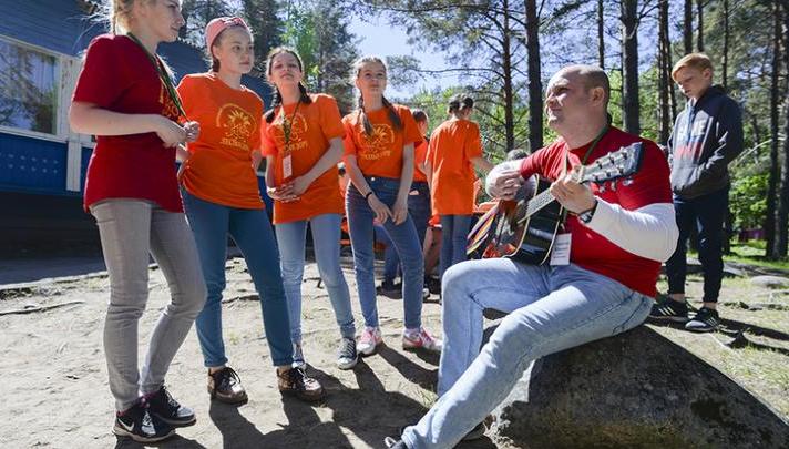 Бюджет Петербурга обеспечит путёвками в летние лагеря 110 тыс. детей