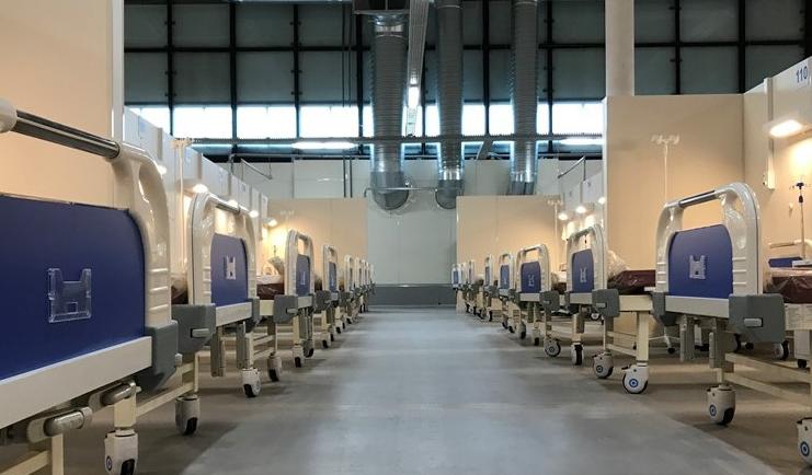 В больницах Петербурга лежат 5 тысяч больных COVID-19