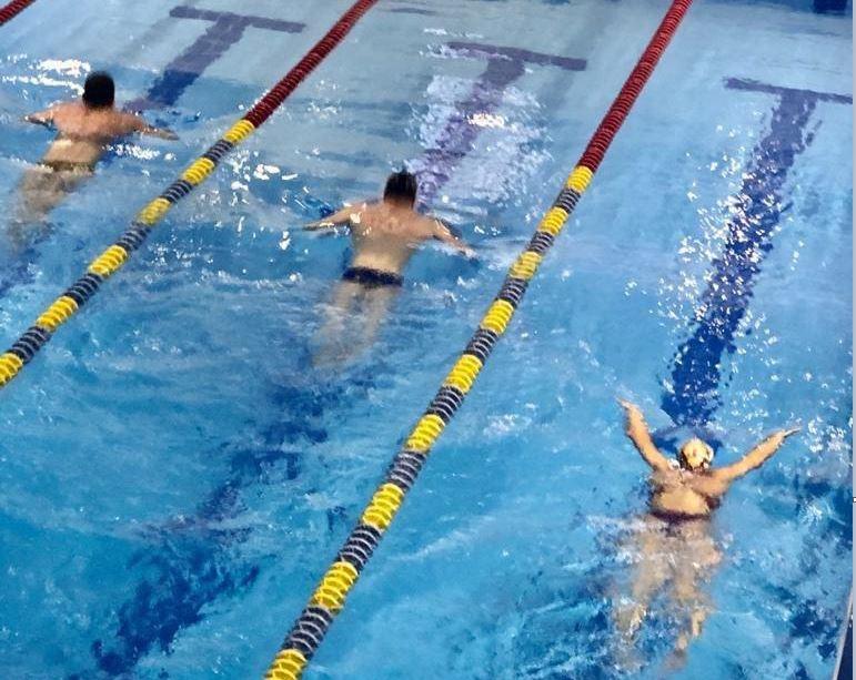 Игорь Еремин, директор школы по плаванию «Радуга»: полностью заменить нормальный тренировочный процесс «дистанционкой» невозможно