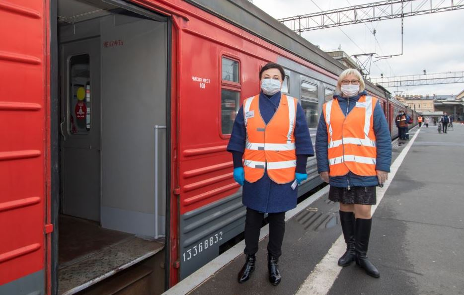 Более 13 тысяч участников Евро-2020 бесплатно ездили в пригородных поездах СЗППК