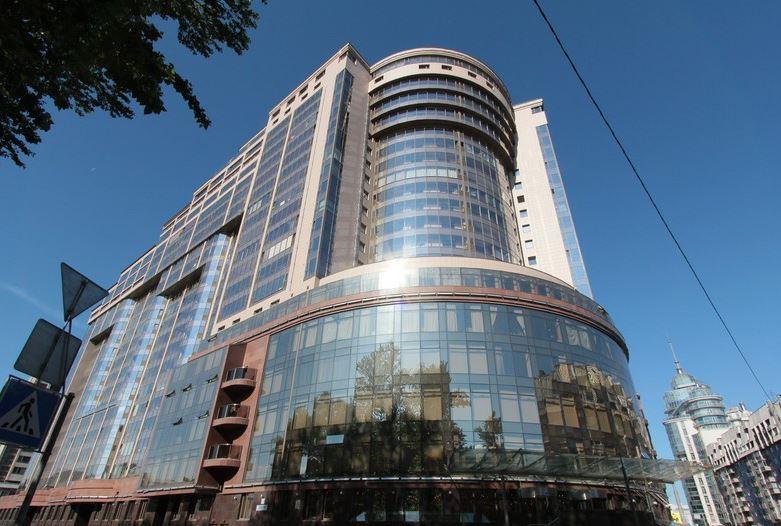 Бизнес-центр «Монблан» в Петербурге продали почти за 600 млн рублей