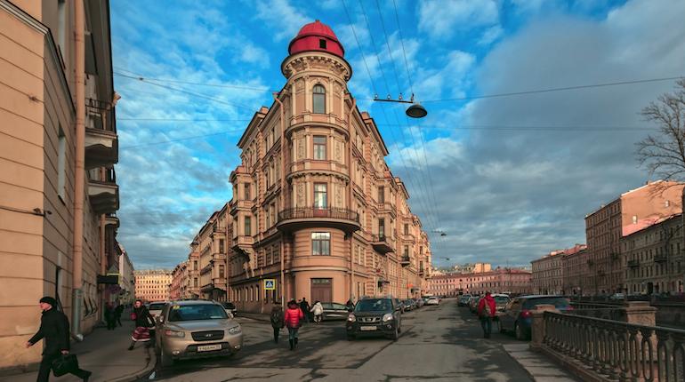 В Смольном намерены поднять плату за капремонт на три рубля