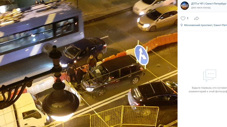 На Московском проспекте автомобиль выехал на «встречку»