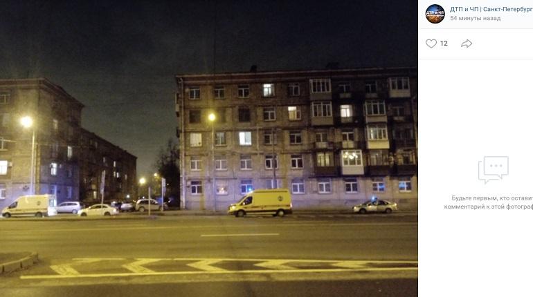 На Ивановской улице Volkswagen сбил мужчину на электросамокате
