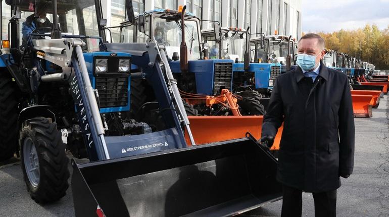 Беглов проверил готовность уборочной техники Калининского района к зиме