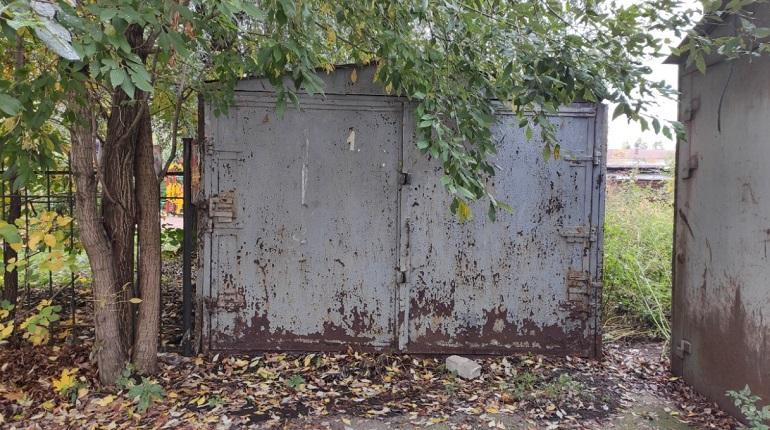 В Петербурге при сносе гаража нашли деньги