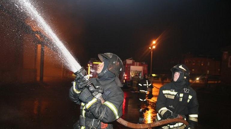 МЧС ликвидировали пожар на Испытателей