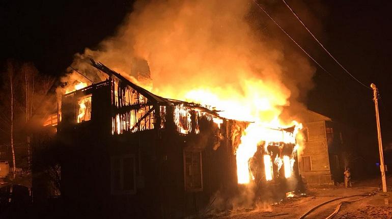 Ночью во Всеволожском районе сгорела дача