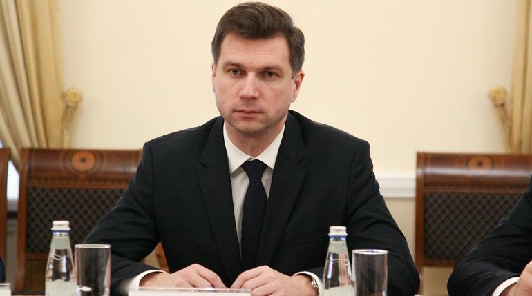 Миллионер Линченко может сводить детей в дельфинарий, а петербуржцы нет