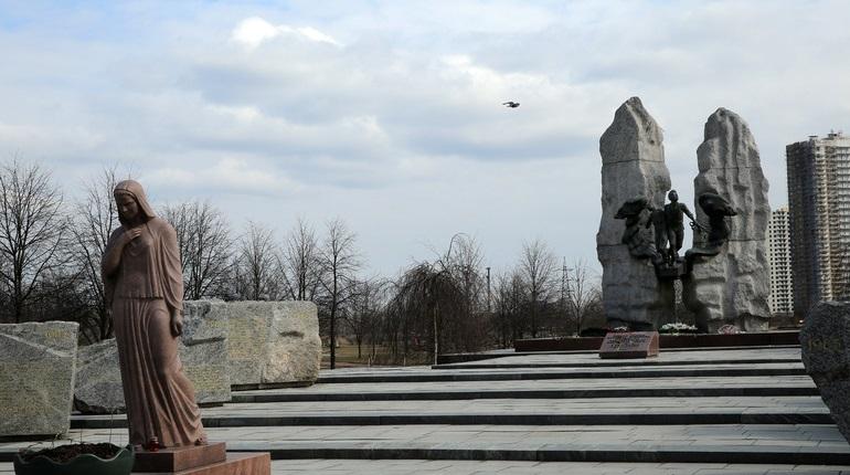 Парк Интерационалистов получил новое освещение