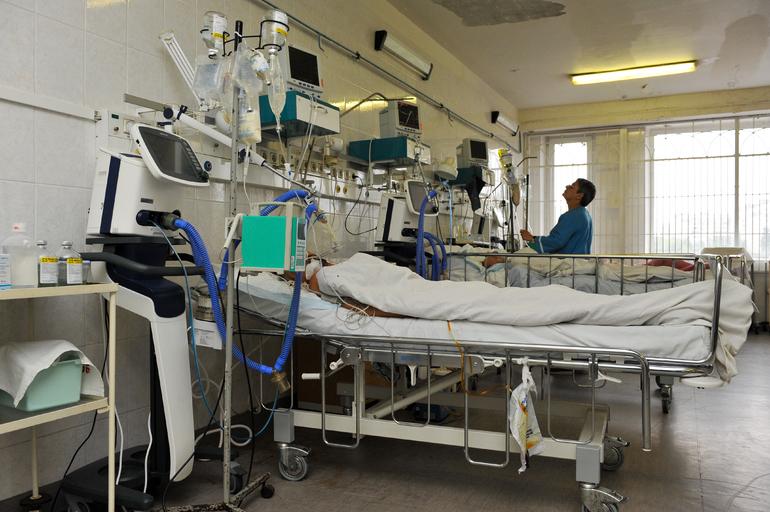 В Петербурге 176 больных COVID-19 находятся на аппаратах ИВЛ