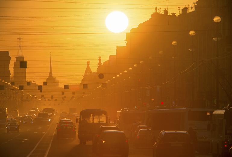 Погода от Леуса: солнце не покинет Петербург и в среду