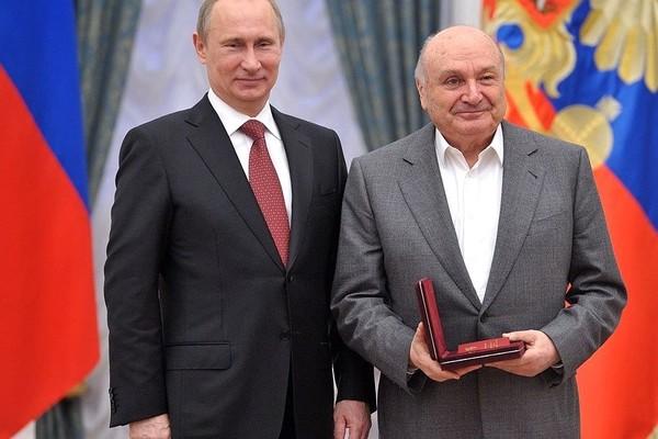 Путин: Жванецкий умел говорить с юмором о серьезных вещах