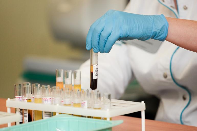 Новости COVID-19: в мире уже болеют 132,1 млн, в Петербург везут «ЭпиВакКорону»