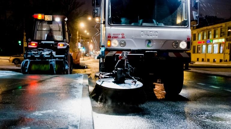 На уборку дорог Петербурга в ноябре поступило на 10% меньше жалоб