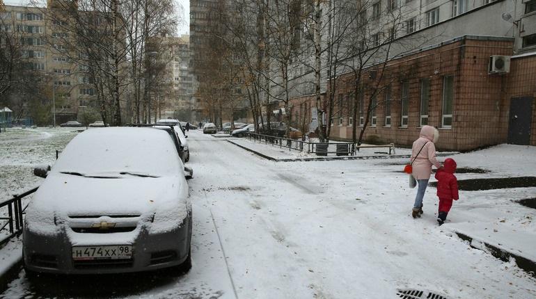 На Петербург обрушатся ветер и снег