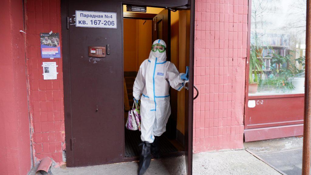 Петербург вошел в список регионов с самой высокой заболеваемостью коронавирусом