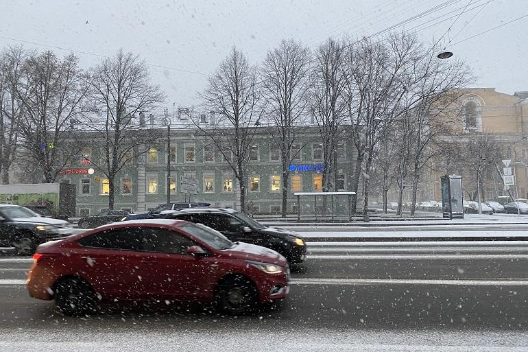 Дорожные заторы после снегопада начали рассасываться