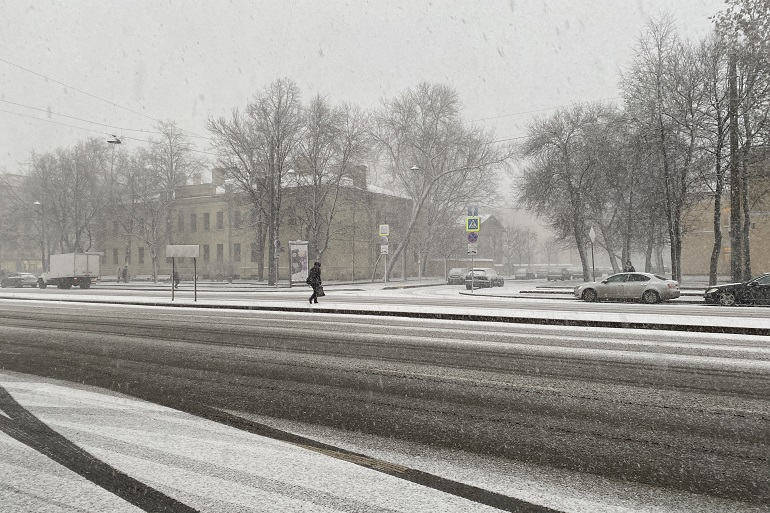 Жителей Ленобласти предупредили о гололеде и сильном снегопаде