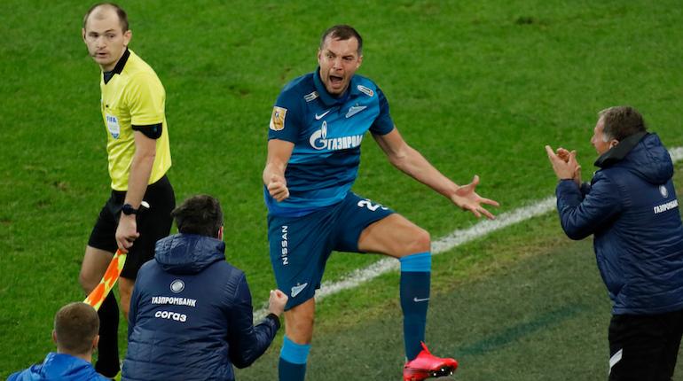 Петербуржцам запретили болеть на стадионах, но «Зенит» продолжает торговать билетами