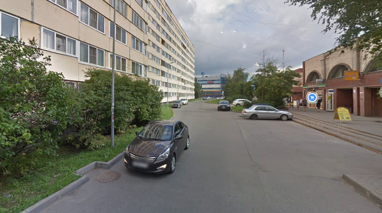 Петербурженка заявила в полицию из-за шлепка по попе на Стачек