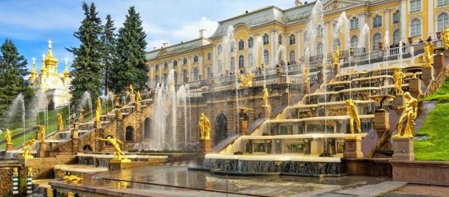 Мошенники в интернете продают билеты на неутвержденный «Праздник фонтанов» в Петергофе