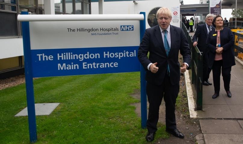 Борис Джонсон ушел на самоизоляцию из-за контакта с больным коронавирусом