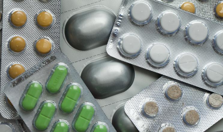 Закон о бесплатных препаратах от COVID-19 прошел первое чтение