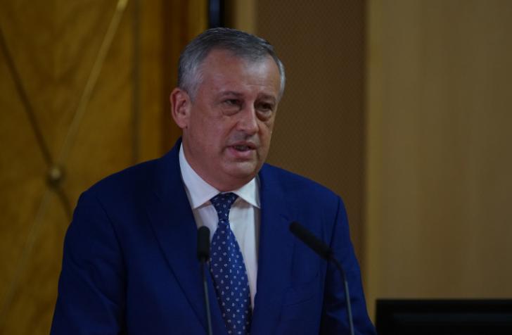 Дрозденко призвал жителей Ленобласти не заниматься самолечением COVID-19